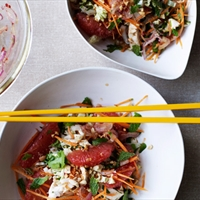 Vietnamese chicken and pink grapefruit salad