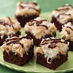 Almond Macaroon Brownie Bars