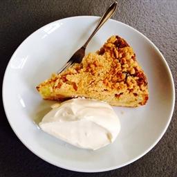 Apfelkuchen mit Streusel / Apple Tart with Crumbs
