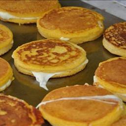 Arepas de Choclo (Cheese stuffed corn cakes) meatless, breakfast