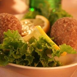 Armenaian Kufta (Stuffed Meat Balls)