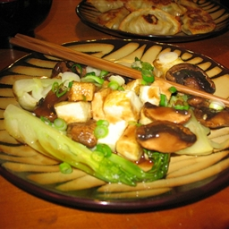 Baby Bok Choy with Mushrooms and Tofu