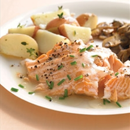 Baked Salmon with White Wine and Cream Sauce