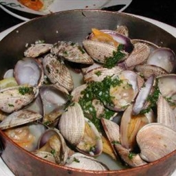 Basque Style Steamed Clams (Almejas Guisadas)