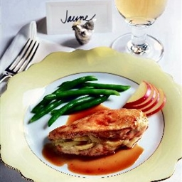 Brie and Apple Chicken Breasts