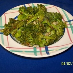 Broccoli with Sauted Garlic and Red Pepper Flakes