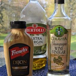 Champagne Vinaigrette Salad Dressing