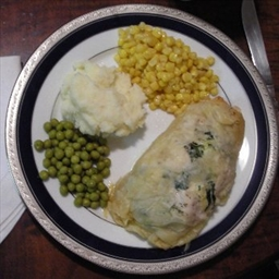 Cheese-Stuffed Chicken in Phyllo