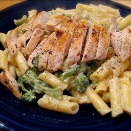 Chicken Broccoli Pasta Alfredo