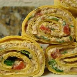 Chicken Enchilada Dip Roll Ups
