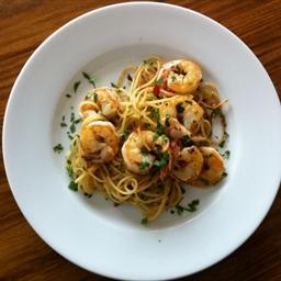 Chilli prawn pasta with garlic and ginger