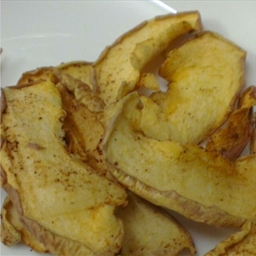 Cinnamon Apple Chips (eggless)