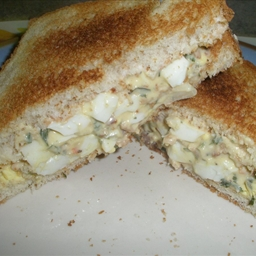 Creamy Egg Salad Sandwiches