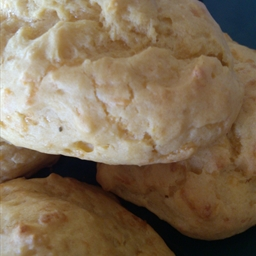 D's Cheddar Cheese Biscuits