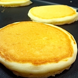 Early-Bird Buttermilk Pancakes
