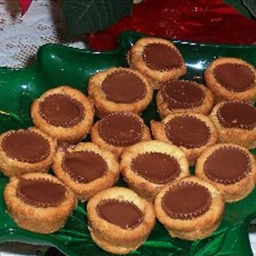 Easy Peanut Butter Cup Cookies