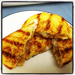 French Onion Grilled Cheese Sandwich