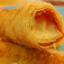 Fried Mozzarella-Pepperoni Egg Roll