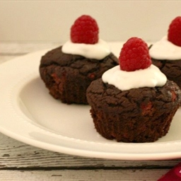 FROSTED CHOCOLATE RASPBERRY CUPCAKES (LC)