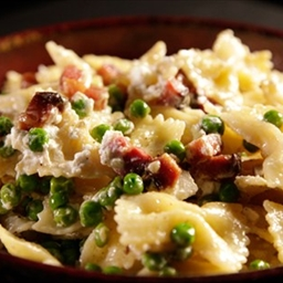 Gordon Ramsay's Farfalle With Bacon, Peas and Sage