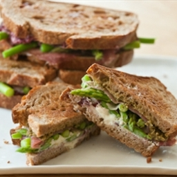 Grilled Goat Cheese, Asparagus and Prosciutto Sandwiches
