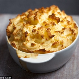 Haddock, bacon and pea pie