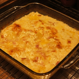 Ham and Cheese Potatoes Au Gratin