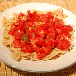 Herbed Garlic Rigati With fresh Tomatoes
