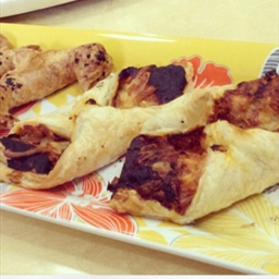Mozzarella Cheese & Tomato Croissant