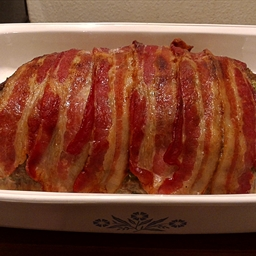 Meatloaf Topped With Bacon Strips