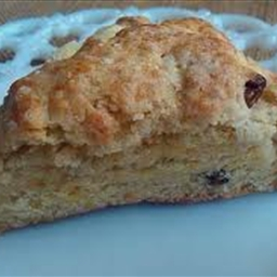 Orange / Rasin Scones * (1+)