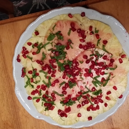 Pinnaple Carpaccio With Pomegranate And Vanailla Salt