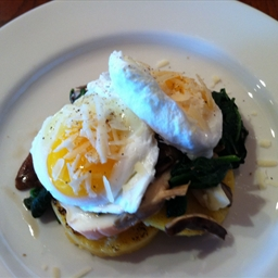Poached Eggs on Spinach and Polenta
