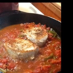 Pork Chops in Tomato Sauce with Oregano