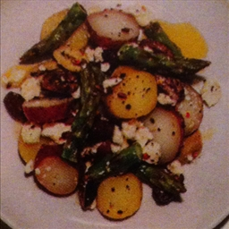 Potato Salad with Asparagus and Olives