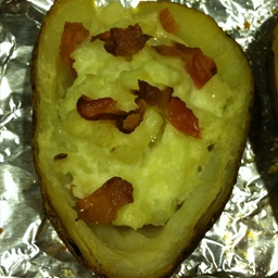 Potatoes Stuffed with Cheddar Cheese and Bacon