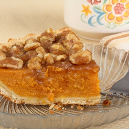 Pumpkin Pie with Brown Sugar-Walnut Topping