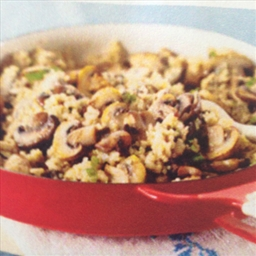 Quinoa Risotto with Mushrooms and Fresh Thyme