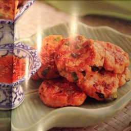 Red curry fish cakes
