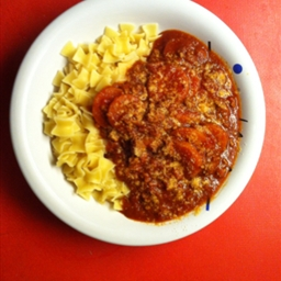 Red Wine Goulash w/egg noodles