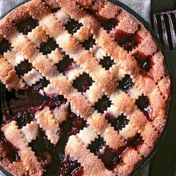 Rhubarb and lattice pie