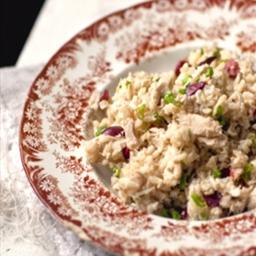 Salade de riz brun au thon et olives noires
