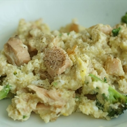 Salmon and broccoli omelet with oat