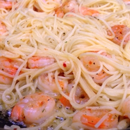 Sautéed shrimp with pasta