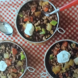Slow Cooker Chipotle Beef and Black Bean Chili