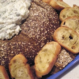 Spinach Dip in Pumpernickel