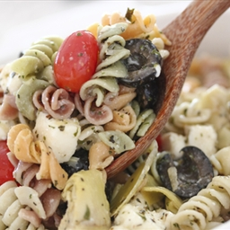 Tomato and Garlic Pasta Salad
