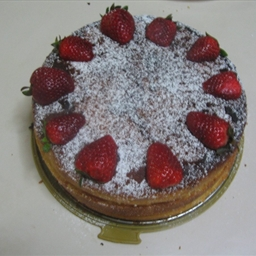 Triple/dual-decked Strawberry sponge cake