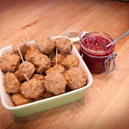 Turkey and Stuffing Bites with Cranberry Dipping Sauce