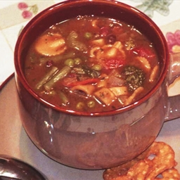 Zuppa di Polpeta (Escarole and Beefball Soup)